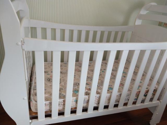 Berço mini cama com colchão muito novo