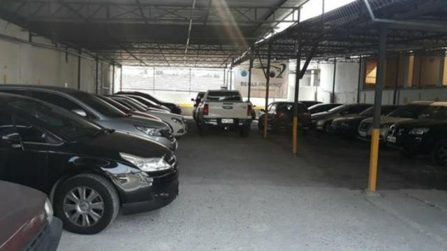 Vendo estacionamento - 100% coberto - Foto 2