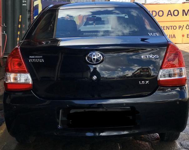 ETIOS Sedan Preto 1.5 X - Foto 6