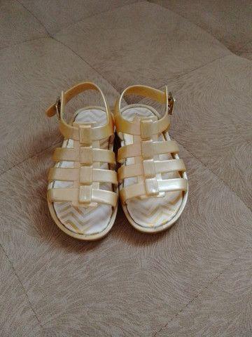 Sandália Pimpolho Colorê - dourada n°22 - Foto 2