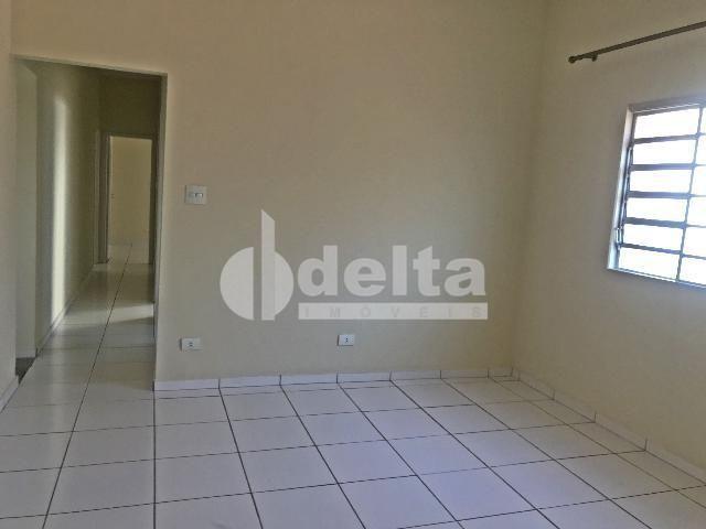 Apartamento para alugar com 3 dormitórios em Centro, Uberlandia cod:603197 - Foto 2