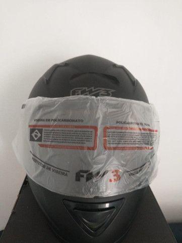 Capacete Top FW3 Classic Premium (viseira extra fumê) - Foto 5