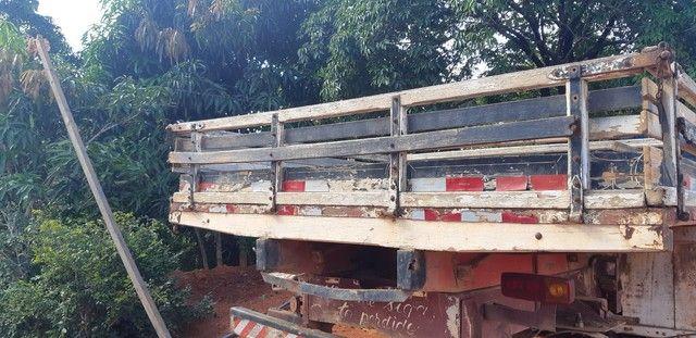 Carroceria de madeira 7,5 metros - Foto 5
