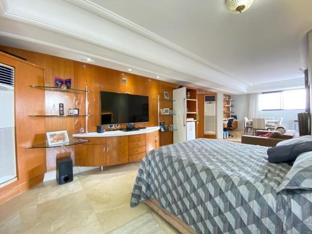 Cobertura espetacular com 495 m² privativos e 6 vagas de garagem - Foto 16