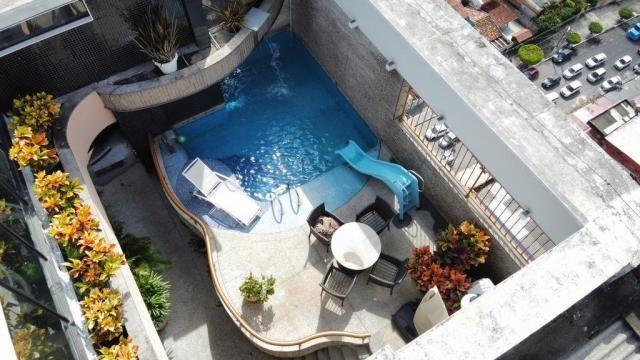 Cobertura espetacular com 495 m² privativos e 6 vagas de garagem - Foto 11