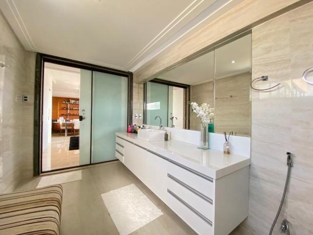 Cobertura espetacular com 495 m² privativos e 6 vagas de garagem - Foto 19