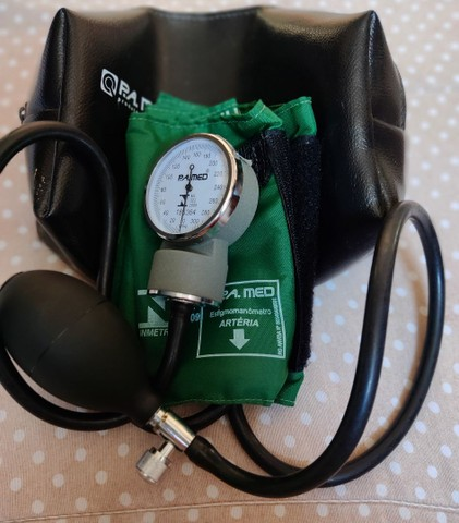 kit aparelho de pressão + estetoscópio + garrote  - Foto 2