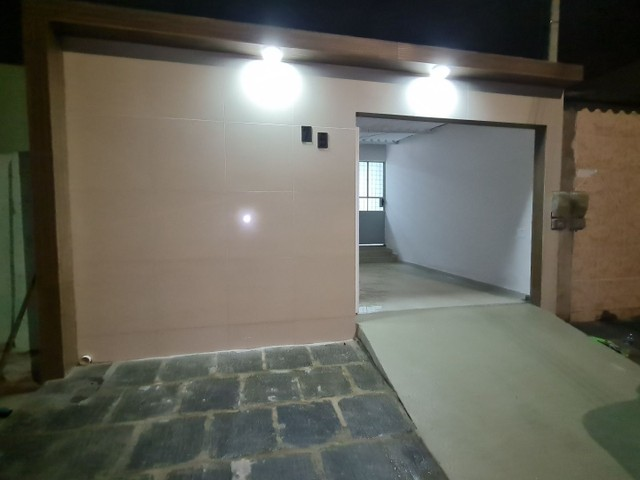 Vendo casa na rua Clara Nunes, próximo ao caic