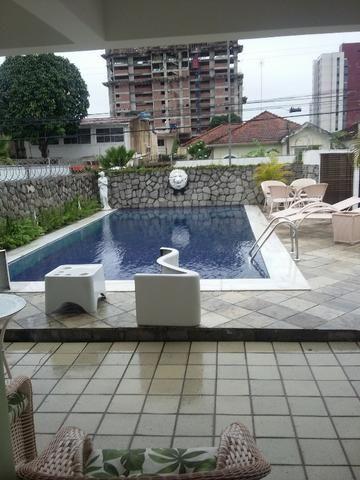 Casa na Avenida Caxangá 180m²