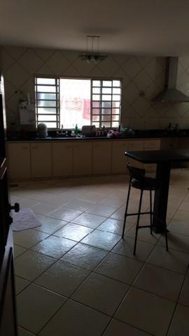 Ótima casa com lote de 1000M² 4 Qtos sendo 3 suítes | 6 vagas | lazer - Foto 7
