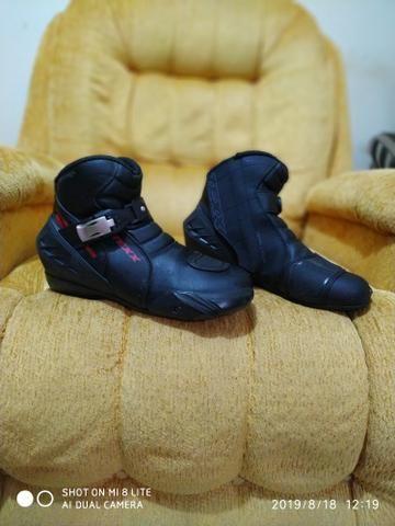 Bota sapato calçado motoqueiro moto novinha