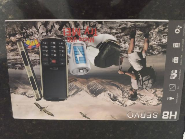 Vendendo celular que serve como bateria externa
