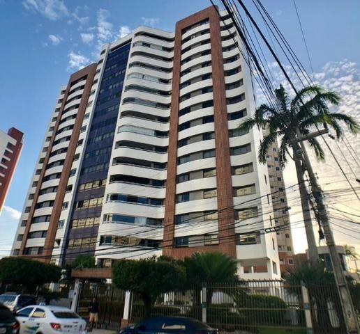 Apartamento no Guararapes - 192m² - 3 Suítes - 3 Vagas (AP0620)