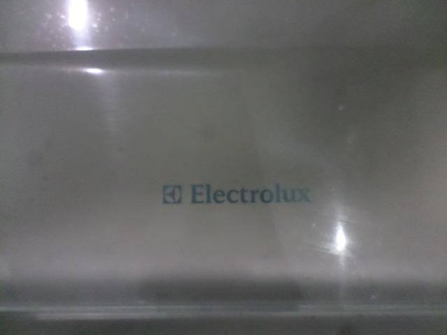 Freezer vertical eletrolux - Foto 6