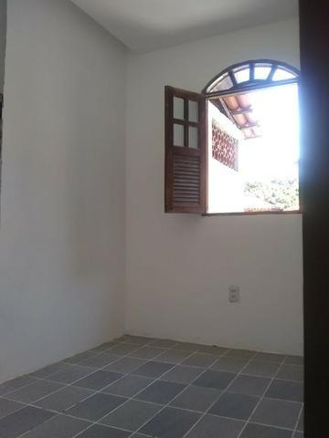 Casa 2/4 na rua Rua km 17 de Itapuã - Foto 8