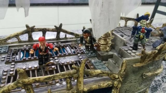 Navio Piratas Do Caribe - Versão Fantasma - Mega Bloks - Foto 2