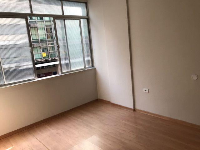 Apartamento lindo no centro aceito deposito de 1 mes direto com o proprietario  - Foto 11