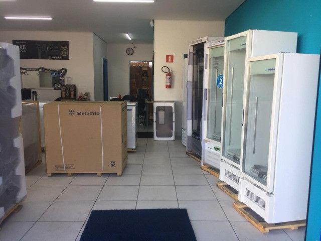 Freezer Tampa de Vidro para Sorvetes Metalfrio - Foto 6