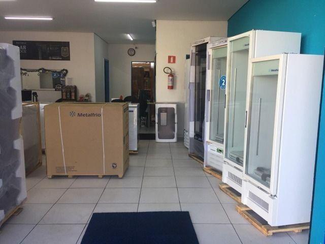 Freezer 2 Tampas Congelados Açai Sorvetes Metalfrio - Foto 4