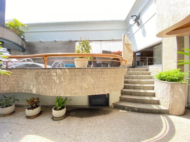 Cobertura espetacular com 495 m² privativos e 6 vagas de garagem - Foto 9