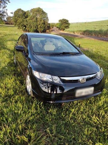 Honda Civic 2008 Flex Preto Baixo Km sem detalhes - Foto 2