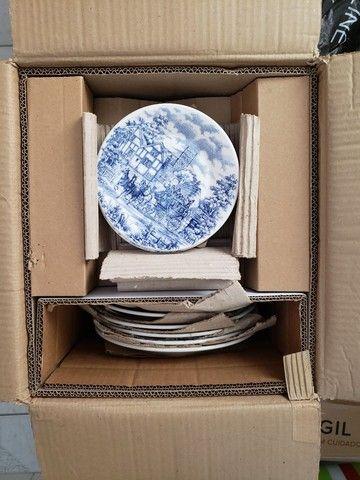 Vendo dois lindos jogos de pratos - Foto 6