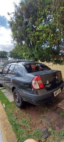 Clio sedan 1.0 16v - Foto 2