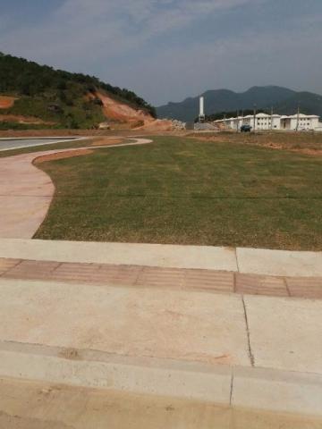 Terreno em Camboriú 300m2, excelente investimento Rua asfaltada, infraestrutura completa