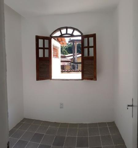 Casa 2/4 na rua Rua km 17 de Itapuã - Foto 6