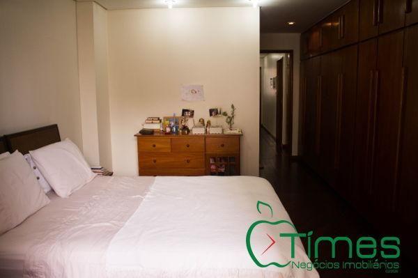 Apartamento  com 5 quartos - Bairro Setor Bueno em Goiânia
