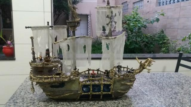 Navio Piratas Do Caribe - Versão Fantasma - Mega Bloks - Foto 3