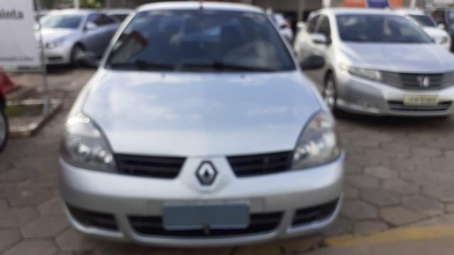 Renault clio sedan 05/06 1.0 flex.