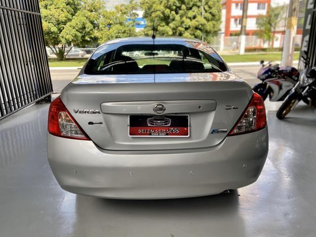 '4.000 de entrada' Nissan Versa SL 1.6 - Foto 6