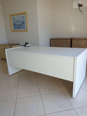 Aceito proposta para mesa p/ escritório c/ 2 gavetas