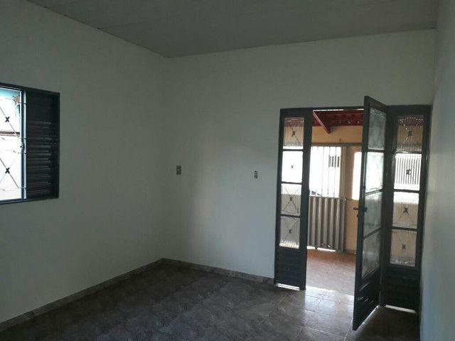 Vende-se esta  casa com ótimo preço  - Foto 3