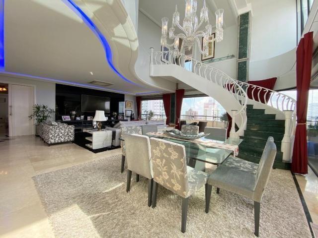 Cobertura espetacular com 495 m² privativos e 6 vagas de garagem - Foto 2