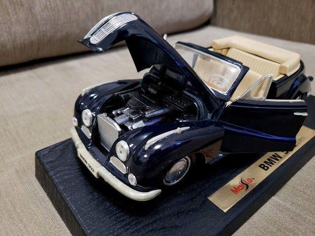 Miniatura Carro de Coleção BMW 502 (1955) Escala 1/18 - Foto 5