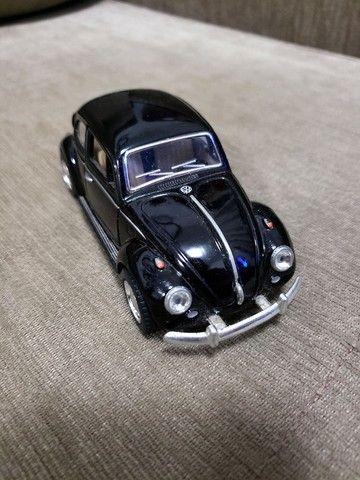 Miniatura Carro de Coleção VW Fusca Escala 1/32 - Foto 4