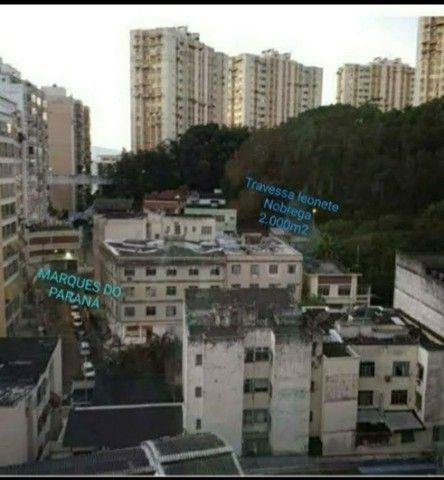 Área no centro de Niterói com 2.000m² - Foto 2