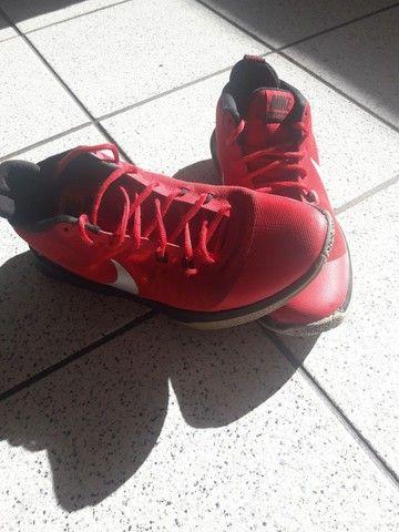 Tênis de basquete nike - Foto 2