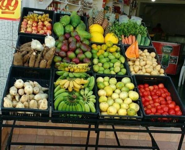 Verdureiro e Frutas