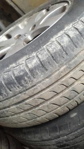 Jogo rodas originais 307 com pneus - Foto 3