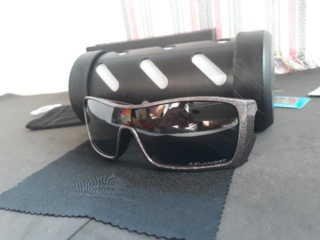 111fada9b Óculos Oakley Batwolf Cinza Polido/Preto Iridium Polarizado - Importado e  Novo