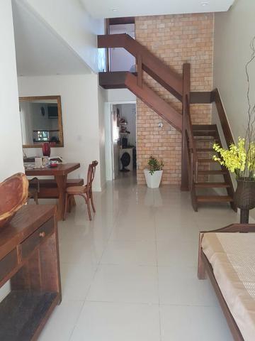 Casa de 4 quartos decorada, linda no condomínio Pedra do Sal - Foto 2