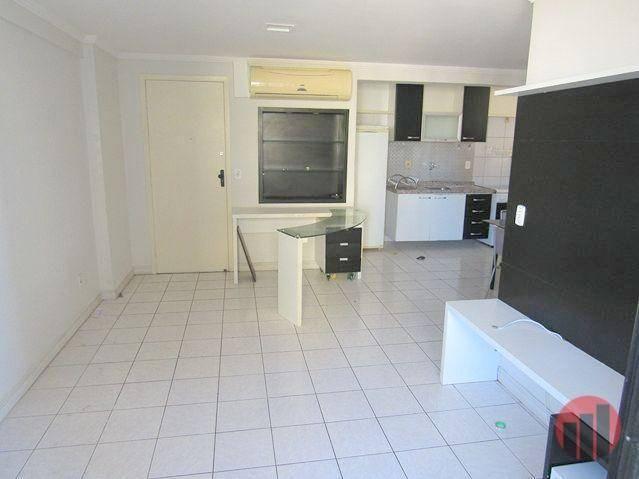 Apartamento com 2 dormitórios para alugar, 70 m² por R$ 1.300,00 - Meireles - Fortaleza/CE - Foto 9