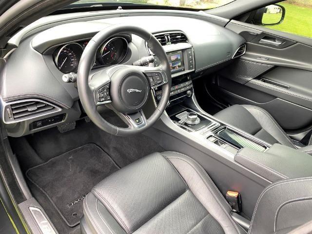 Jaguar Xe 2.0 TurboCharged R-Sport 2018 - Foto 5