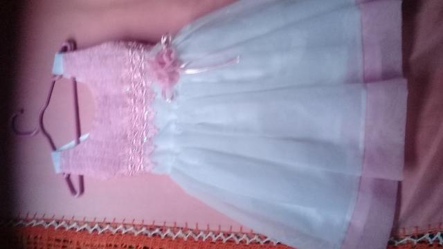 Dois vestidos e um biquíni tam.2