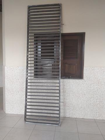 Vendo 2 grades enormes de metalon (VALOR PROMOCIONAL ATÉ SEXTA 29)