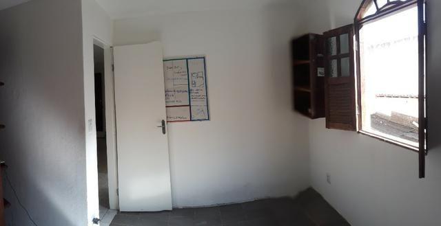 Casa 2/4 na rua Rua km 17 de Itapuã - Foto 14