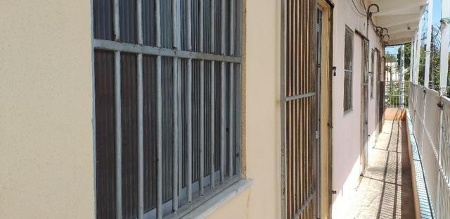 Vendo prédio de 3 pavimentos, c/8 kitinetes + ponto comercial, no Quintino Cunha - Foto 6